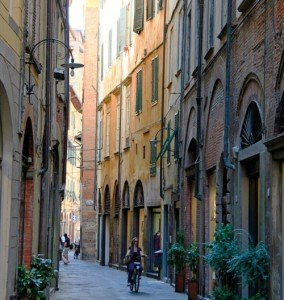 The pedestrian lanes of Lucca Italy. Tuscany/Umbria tour